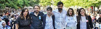 De izquierda a derecha: Carme Rodríguez, Pablo Iglesias, Jorge Suárez, Antón Gómez Reino, Yolanda Díaz y Vanessa Angustia. Foto: Dani Gago