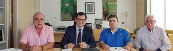 Javier Úbeda se reúne con el alcalde de Ocaña.