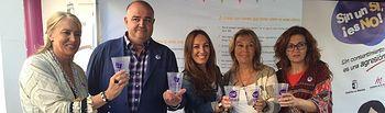 40.000 vasos nos recuerdan por toda la Feria de Albacete que 'Sin un sí, es no'