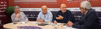 De izquierda a derecha: Juan Antonio Mata. funcionario de Justicia y ex sindicalista, José Reina, presidente de la Federación de Asociaciones de Vecinos de Albacete -FAVA-, Antonio González Cabrera, médico de Familia, y Manuel Lozano, director del Grupo Multimedia de Comunicación La Cerca.