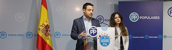 Un momento de la presentación de la campaña Populares Solidarios.