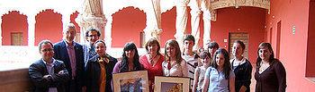 Ángeles García junto a participantes de Guadalajara en la Experiencia Fotográfica Internacional de los Monumentos