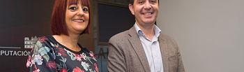 Santiago Cabañero, presidente de la Diputación Provincial de Albacete, junto a Ana Martínez, presidenta de la Asociación de Periodistas de Albacete