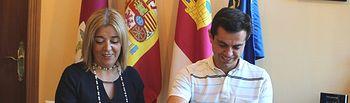 Firma del convenio suscrito con la Asociación de Mujeres Empresarias de Albacete y Provincia (AMEPAP)