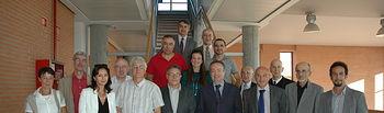 El grupo de filólogos con los representantes de la UCLM en el acto de inauguración del seminario.