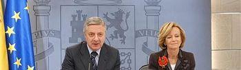 José Blanco y Elena Salgado. Foto: lamoncloa.gob.es.