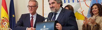 Rodríguez Uribes recibe la cartera de ministro de Cultura y Deporte.