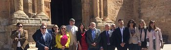 El Gobierno regional asiste a la Romería en honor a San Isidro en Tarazona de la Mancha.