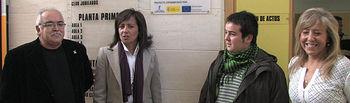 "La alcaldesa de Albacete, Carmen Oliver, durante el encendido digital de la red Wi-Fi municipal, en el Centro Sociocultural de El Pilar ""José Oliva""."
