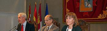 Ángeles García durante la presentación del libro dedicado a los autores
