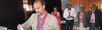 Pablo Bellido votando. 26M.