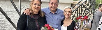 Llanos Navarro asiste al festival de danza durante las fiestas del barrio Industria