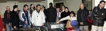 Turistas en el Aeropuerto recogiendo maletas (Foto:Archivo)