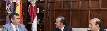 Visita del delegado de Gobierno de Castilla-La Mancha, José Julián Gregorio López, al Ayuntamiento