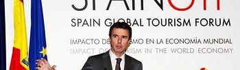 El ministro de Industria, Energía y Turismo, José Manuel Soria, ha clausurado hoy el Spain Global Tourism Forum que ha sido inaugurado esta mañana por el presidente del Gobierno, Mariano Rajoy.