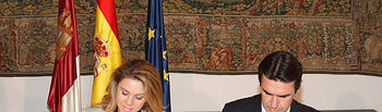 Presidenta Cospedal y ministro Soria firman varios convenios. Foto: JCCM.