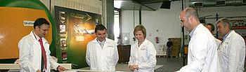 Araújo, ha visitado esta mañana en Tembleque (Toledo) la empresa Composites Guimar