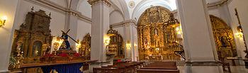 La iglesia de Santa Catalina cuenta con doce altares.