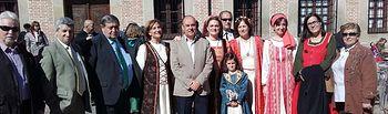 Diputadas provinciales con el alcalde de Oropesa en las Jornadas Medievales