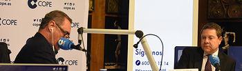 CUENCA, 6 de marzo de 2019.- El presidente de Castilla-La Mancha, Emiliano García-Page, es entrevistado en directo por Carlos Herrera, desde el Museo de las Ciencias de Castilla-La Mancha, en el programa 'Herrera en Cope'. (Fotos: José Ramón Márquez // JCCM)