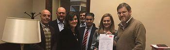 """El diputado nacional del PSOE por Albacete presenta una propuesta que reconoce el """"símbolo"""" que supone el tambor en Hellín, Tobarra o Agramón"""
