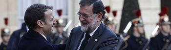 """El presidente del Gobierno, Mariano Rajoy, es recibido en el Palacio del Elíseo por el presidente de la República Francesa, Emmanuel Macron, para asistir a la Cumbre del Clima """"One Planet Summit""""."""