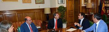 Carlos Cabanas se reúne con directivos de la Asociación Nacional de Criadores de Caballos de Pura Raza Española. Foto: Ministerio de Agricultura, Alimentación y Medio Ambiente