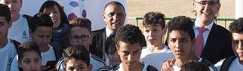 """Roberto Carlos visita la escuela """"Socio-Deportiva de Fútbol y Valores de Albacete"""" en el Carlos Belmonte."""