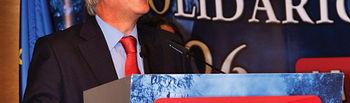 José María Barreda, presidente de la Junta de Comunidades de Castilla-La Mancha, durante su discurso en la entrega de los Premios SOLIDARIOS 2006 del Grupo de Comunicación La Cerca.