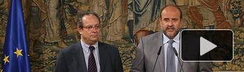 l vicepresidente del Gobierno regional, José Luis Martínez Guijarro, junto al consejero de Hacienda y Administraciones Públicas, Juan Alfonso Ruiz Molina.