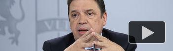 El ministro de Agricultura, Pesca y Alimentación, Luis Planas, durante su intervención en la rueda de prensa posterior al Consejo de Ministros.
