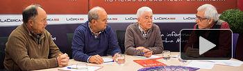 De izquierda a derecha: José Manuel Lara, secretario general de Cáritas Diocesana de Albacete, José Reina, presidente de la Federación de Asociaciones de Vecinos, Consumidores y Usuarios de Albacete (FAVA), José María Roncero, presidente de la Unión de Consumidores de España (UCE) en Albacete, y Manuel Lozano, director del Grupo Multimedia de Comunicación La Cerca.
