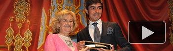 Miguel Ángel Perera, Pregonero Taurino de la Feria de Albacete 2014, junto a Carmen Bayod, alcaldesa de la Ciudad, durante el acto del Pregón de este año ofrecido en el Teatro Circo de Albacete este viernes, 5 de septiembre.