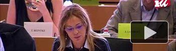 IU: Interpelación de Ángela Vallina en la audiencia a Vĕra Jourová