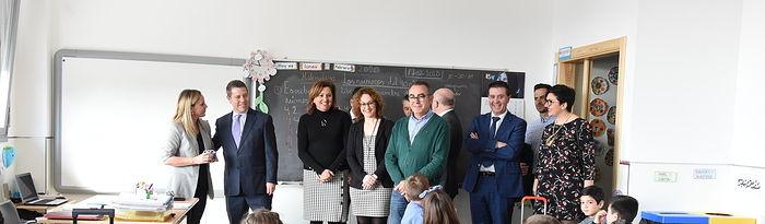 El presidente de Castilla-La Mancha, Emiliano García-Page, inaugura las nuevas instalaciones del CEIP 'Ildefonso Navarro' de Villamalea. (Fotos: José Ramón Márquez // JCCM).