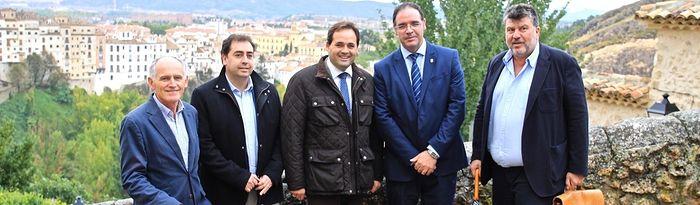 """Paco Núñez visita la exposición """"Vía Mística"""" de Bill Viola en Cuenca"""