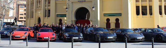 Grupo de usuarios de Porsche que han pasado el fin de semana en Albacete.