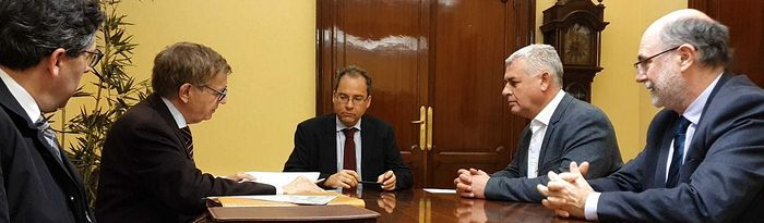 José Luis Vega ha firmado hoy la entrada de la Diputación en el accionariado de Tragsa.
