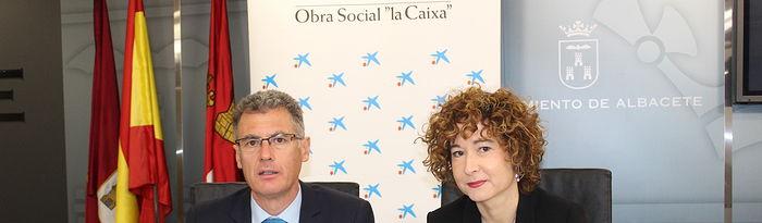 """Más de 1.600 escolares asisten en Albacete al espectáculo familiar Un bosque en la pared, organizado por """"la Caixa""""."""