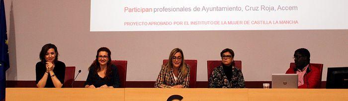 """Curso de formación """"El empoderamiento de las mujeres africanas asentadas en Castilla-La Mancha"""", que se desarrolla en el Centro Cultural """"José Saramago"""" de Albacete"""