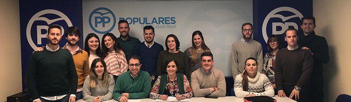 """NNGG de Ciudad Real recoge 9,4 toneladas de alimentos en la campaña """"Populares Solidarios"""""""