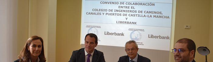 Firma del convenio entre Liberbank y la Demarcación de Castilla-La Mancha del Colegio de Ingenieros de Caminos, Canales y Puertos.