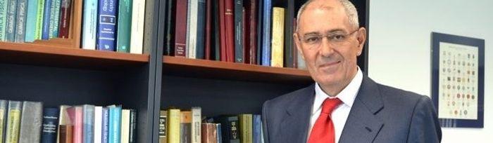 El catedrático de la UCLM Ernesto Martínez Ataz.