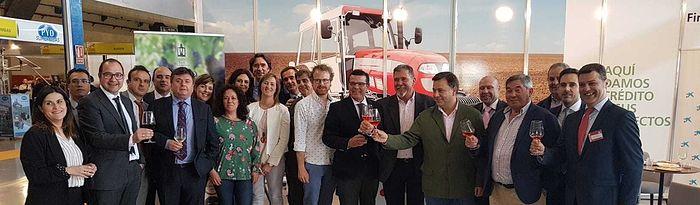 CaixaBank consolida su apuesta por el sector agrícola y ganadora con un stand en EXPOVICAMAN