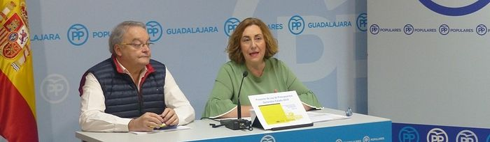 Silvia Valmanaña y Juan Antonio de las Heras. Foto: PP Guadalajara.
