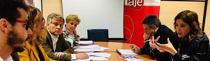 La candidatura del Partido Popular de Ciudad Real ha mantenido una reunión con AJE en Ciudad Real