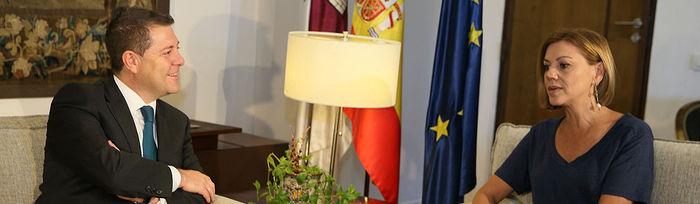 Emiliano García-Page y María Dolores de Cospedal, durante la reunión de este jueves, 23 de julio.