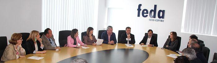 Reunión Manuel Serrano con la junta directiva de FEDA.