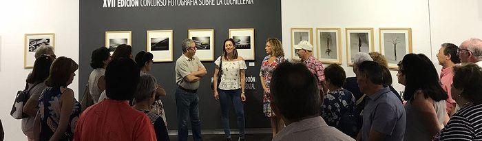 Rosa González de la Aleja recibe en el Museo Municipal de la Cuchillería a una delegación de la Casa Regional de Murcia y Albacete durante su visita a nuestra ciudad con motivo de la festividad de San Juan