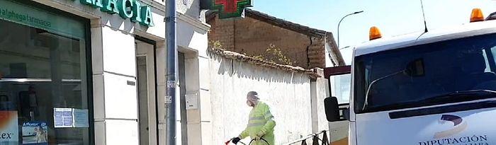 Cinco brigadas de Diputación se suman a los equipos de desinfección en pueblos de Guadalajara.